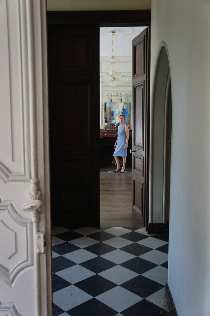 Priscille's SUGGESTION painting, manor XVIII corridor